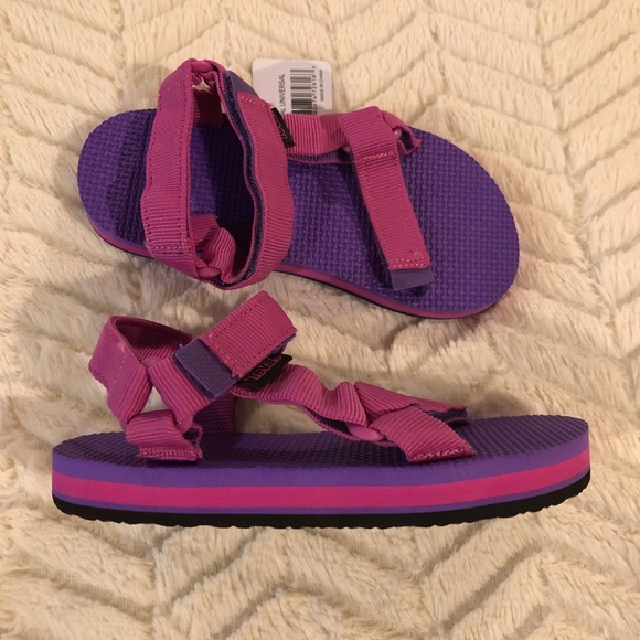Universal Girls Athletic Sandals Pink